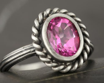SALE - 50% off the original price - Pink topaz antique style ring in sterling silver - 7