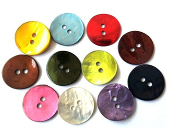 110 Shell buttons in 11 colors 15mm
