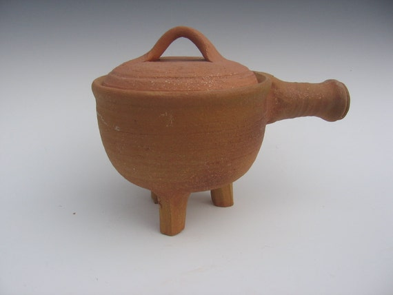 Pipkin, a Medieval Cooking Pot