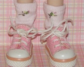 Short Pale Pink Socks With Rosebuds For Blythe...One Pair Per Listing...