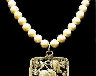 Vintage Tibetan Windhorse Amulet & Creamy Howlite