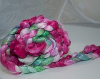 100g Handpainted Banana Fibre in Green and Pink