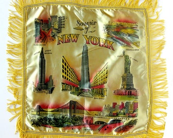 1940s - 1950s New York City Souvenir Satin Pillow Sham with Scenic Vignettes Kitsch Retro Mid Century