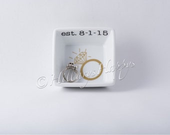 Personalized wedding date ring dish