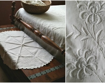 Lg Antique Doily, White Linen Raised Embroidery, Round 32 in, OOAK handmade Edwardian