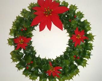Vintage Plastic Wreath - Poinsettia Wreath - Christmas Wreath - Holiday Decor - Lightweight Wreath - Green Plastic Leaves - Red Poinsettias