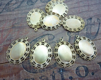 Pendant Setting with Loop Brass Cabochon Setting 30mm with 18x13mm Inset (4)