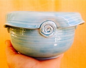 Cersmic bowl w buttoned up folded edge