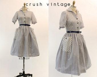 50s Dress Shirtwaist Small / 1950s Navy + White Pocket Cotton Dress / Off The Grid Dress