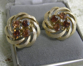 Lisner Earrings - Signed Lisner Earrings - REDuCED