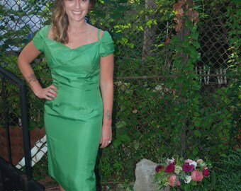 Vintage 1950s Emerald Green Wiggle Dress Bombshell Party Dress by Edward Abbott S/M