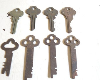 Vintage Antique Metal Key Lot Assemblage Art Craft Supplies Findings