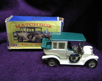 "New Model Y-3 Benz Limousine 1910 Matchbox ""Models of Yesteryear"""