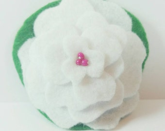 White felt flower hair clip, white flower hair accessory, barrette, felt flower, hair clip