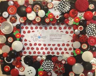 LADYBUG ~ Button Frame in Red and Black ~ Gift for Girl ~ Gift for Gardener ~ Gift for Her ~ Cottage Decor ~ Boho Frame ~ for 4x6 photo