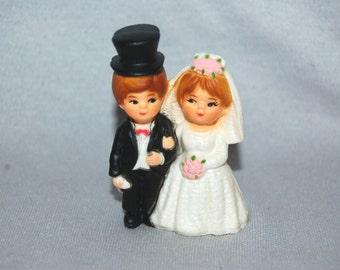 Vintage / Bride / Groom / Wedding / Cake Topper / Vintage Figurine