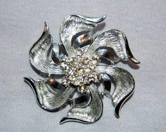Vintage / Brooch / Rhinestone / Pinwheel / Silver / old / jewelry / jewellery