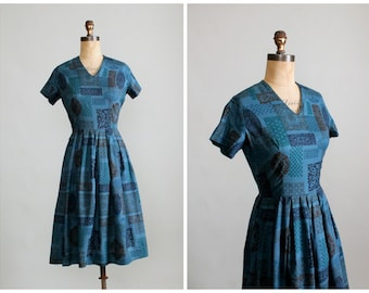 Vintage 1950s Dress : 50s 60s Blue Abstract Print Cotton Day Dress