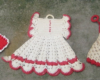 That Is Hot  Vintage Lot  Red N White Hand Crochet Pot Holders Dress Blommers