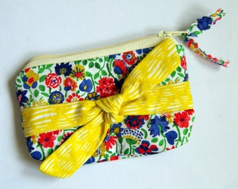 Liberty purse with yellow bow