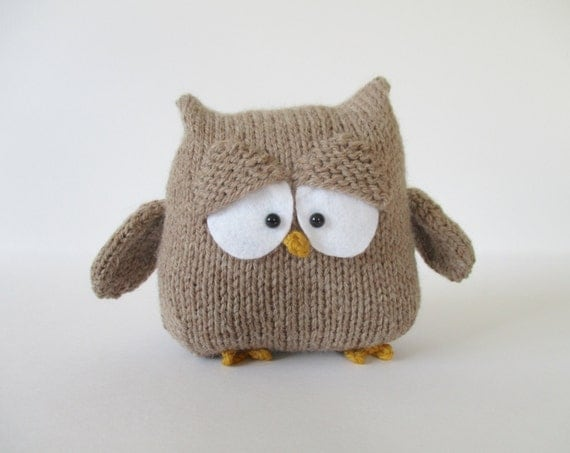 Oscar the Owl toy knitting patterns