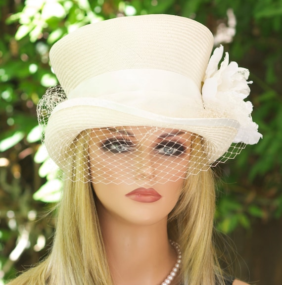 Ivory White Wedding Hat, Top Hat, Church Hat, Ascot hat, Bridal hat with Veil, Derby Hat Women's formal hat Ladies Day Hat, Dressy Event Hat