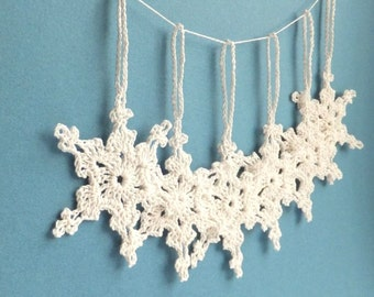 Crochet Christmas tree decorations - crochet snowflakes ornaments - holiday ornaments - white snowflakes decorations - set of 6  ~3 inches
