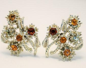 Vintage earrings. Golden rhinestone earrings. Clip on earrings. Flower earrings