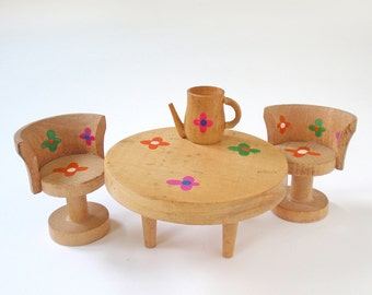 Vintage Dollhouse Kitchen Table and Chairs