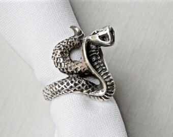 Cobra Ring Sterling Silver Snake Ring Chunky Vintage 1970s Goth Jewelry Silver Snake Serpent Ring Size 4.75 Scales