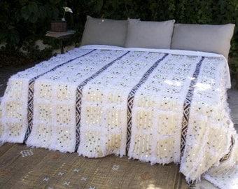 SALE / XL White Cream Moroccan Wedding Handira Blanket // Moroccan Handmade Vintage Blanket Handira