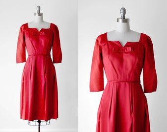 1960 bow dress. red sheath dress. 60's satin wiggle. bright red. evening. 60 small dress.