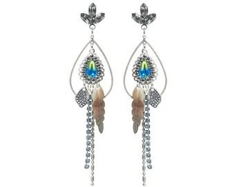 Bohemian earrings - long earrings - dangle earrings - charm earrings with blacklip shell feathers - feather earrings - swarovski earrings