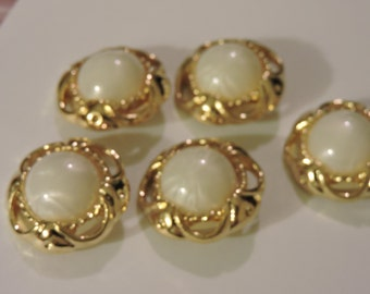 Goldtone Button With Large Pearly Center - 5