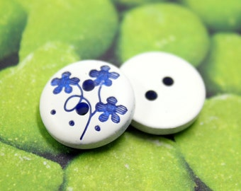 Wooden Buttons - Blue Vine Flower Carving White Wooden Buttons,  0.59 inch (10 in a set)