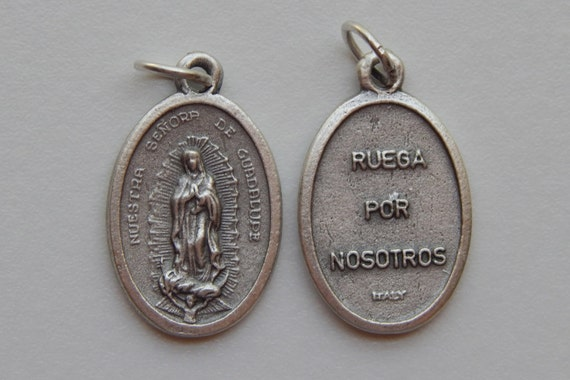 5 Patron Saint Medal Findings, Our Lady of Guadalupe, Die Cast Silverplate, Silver Color, Oxidized Metal, Made in Italy, Charm, Drop, Ruega
