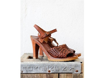 70s Sandals 7 1/2 • Wood Heel Woven Leather Ankle Strap Heels 7 | SH178