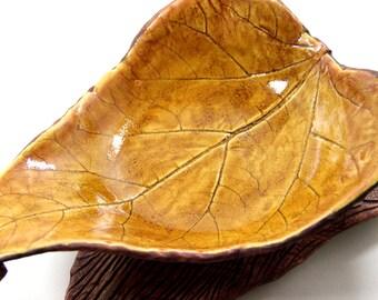 Autumn Leaf Bowl - Wood Texture Underside