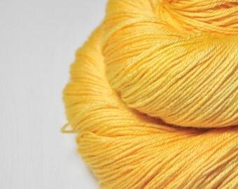 Sunny summer day - Merino/Silk Fingering Yarn Superwash