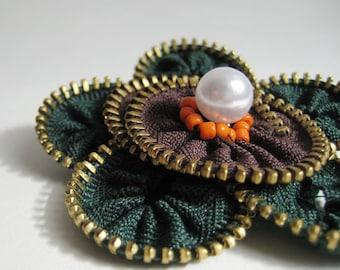 Green Flower Zipper Brooch Pin
