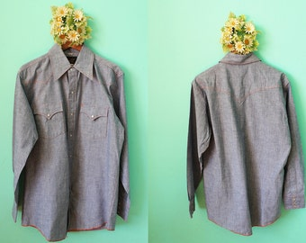 Vintage VTG VG 1970's 70's Men's Denim Chambray Button Up Long Sleeved Western Long Tall Pearl Snap Buttons by Champion Western 15.5 - 34