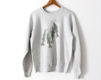 FREE SHIP  graphic print sweatshirt, 1980s bass fishing Fruit of the Loom sweatshirt
