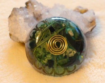Green Angelic Light Ray and Pans Green Flame Color Therapy Round Orgonite Disc - Earth Connection-Heart Chakra-Regeneration