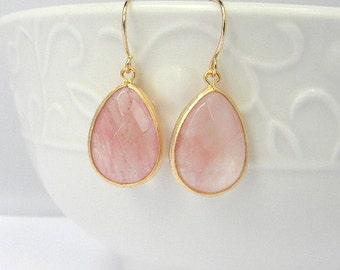 Coral Earrings / Coral Bridesmaid Earrings /  Coral Dangle Earrings / Gift For Her / Bridesmaid Earrings / Dangle Earrings / Coral Wedding