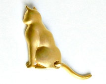 JJ Cat Pin. Vintage Jonette Cat Brooch. Moveable Tail. 1980s Brushed Gold Cat Brooch.