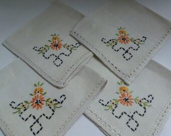 Vintage Napkins 4 Vintage linen Napkins Hand Embroidered Flower Napkins