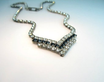 Vintage Rhinestone Necklace. Black and Clear Crystal. Chevron Necklace.  Vintage 1980s Geometric Rhinestone Wedding Jewelry.