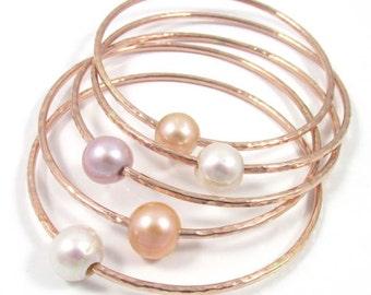 Rose Gold Bangle, White, Peach or Pink Freshwater Pearl, Bridal Jewelry, Wedding Accessory, Bridesmaid Gift Idea, Handmade, June Birthstone
