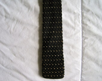 Knit Skinny Wedge Tie, Black and Gold
