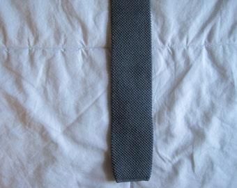 Wool Knit Wedge Skinny Tie, Gray